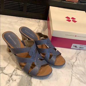 NWT naturalized sandals